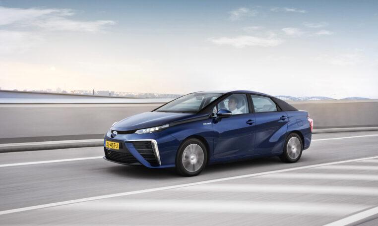Toyota Mirai op de snelweg