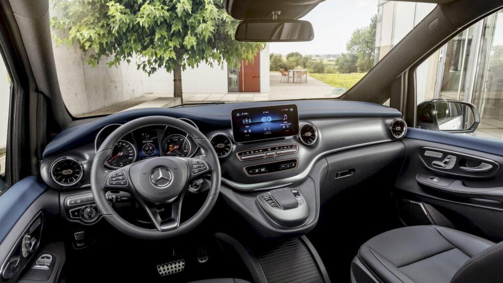 Mercedes onthult de EQV