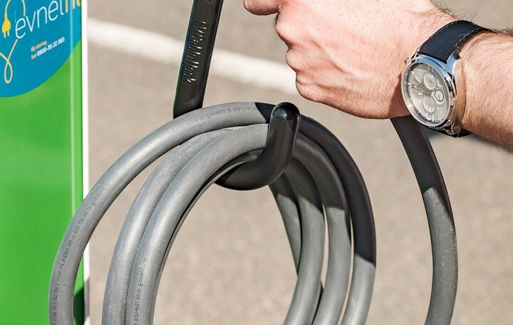 ev-cable-hook