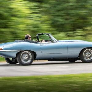 Elektrische Jaguar E-type Zero klassieke sportwagen