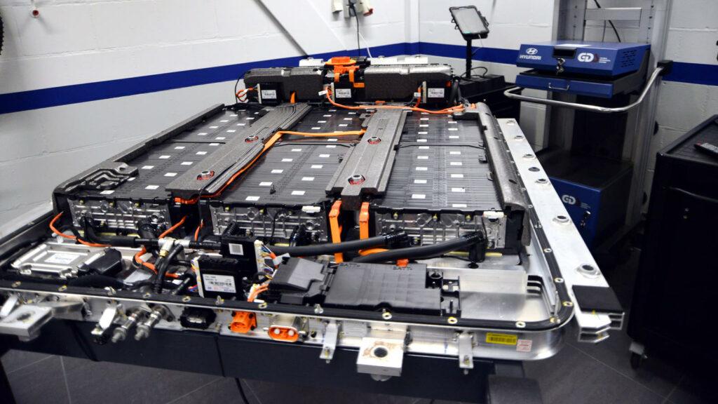 onderzoekers accu's geautomatiseerd recyclen