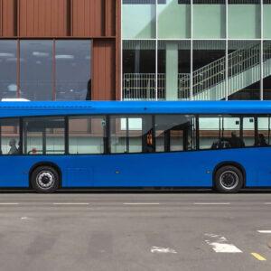 Dancer elektrische bus met carrosserie van PET-flessen