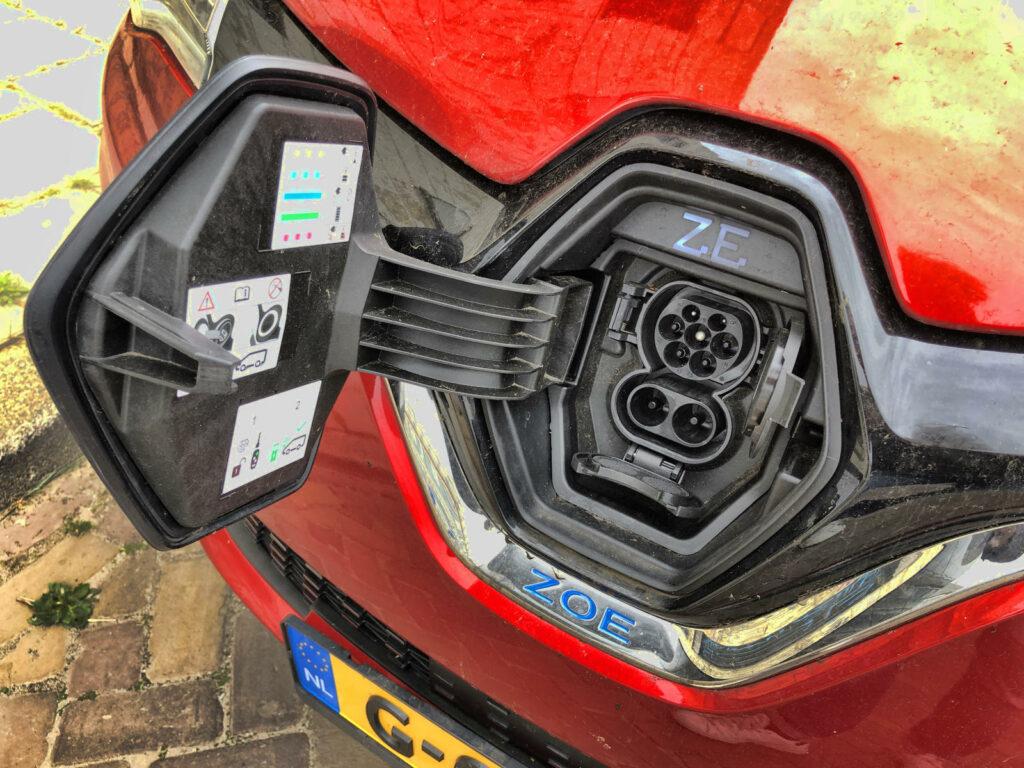 Renault Zoe laadaansluiting voorzijde