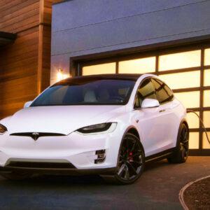 Tesla gaat zelf accu's produceren die goedkoper zijn met langere levensduur