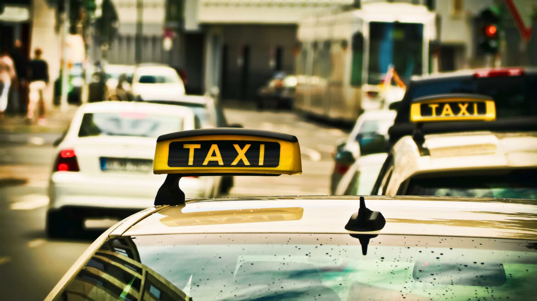 Elektrische taxi verslaat benzine en diesel