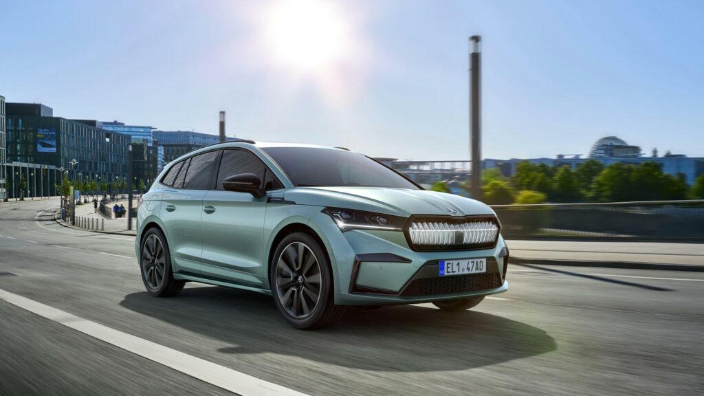Škoda Enyaq iV met Crystal face front