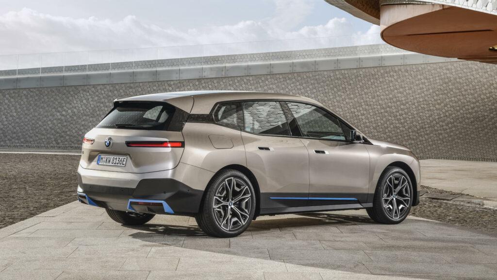 BMW iX achterzijde elektrische SUV