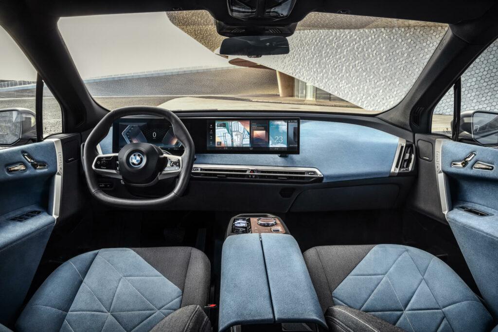 interieur van de elektrische BMW iX