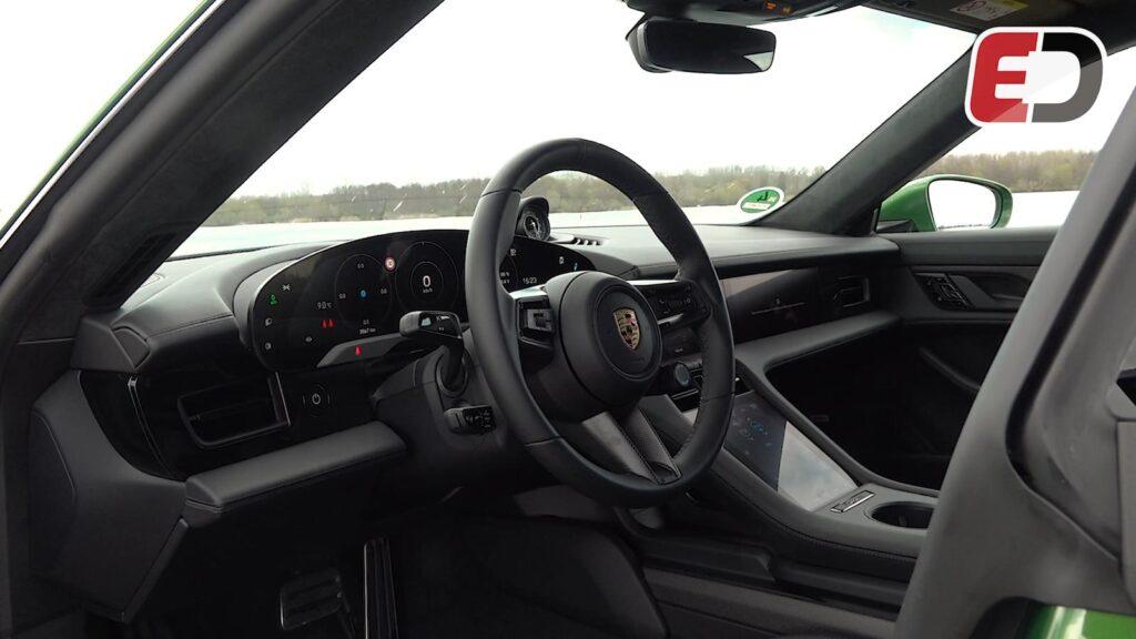 Porsche Taycan Cross Turismo dashboard