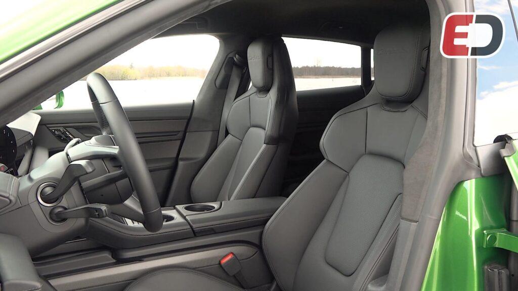 interieur ruimte Porsche Taycan Cross Turismo