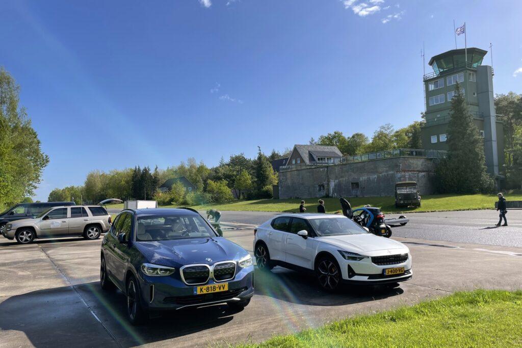 BMW iX3 en Polestar 2