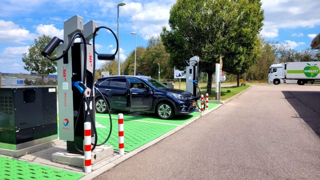 elektrische auto vakantie buitenland opladen onderweg