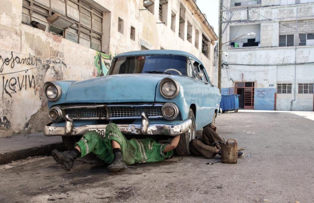 Cuba autoland sleutelen repareren