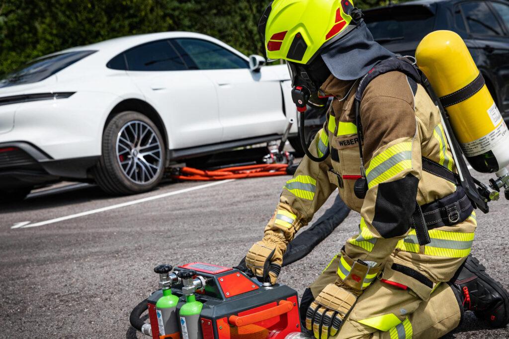 Rosenbauer blusssysteem elektrische voertuigen